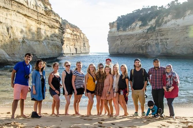 Full-Day Great Ocean Road and 12 Apostles Tour from Melbourne