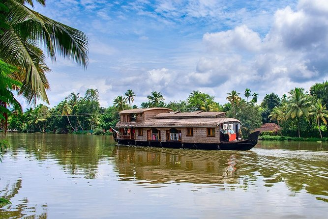 7-Day Private Tour of Kerala from Kochi with Accommodation