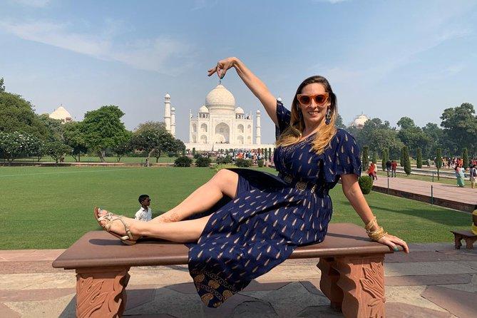 Romantic date at Taj Mahal Tour