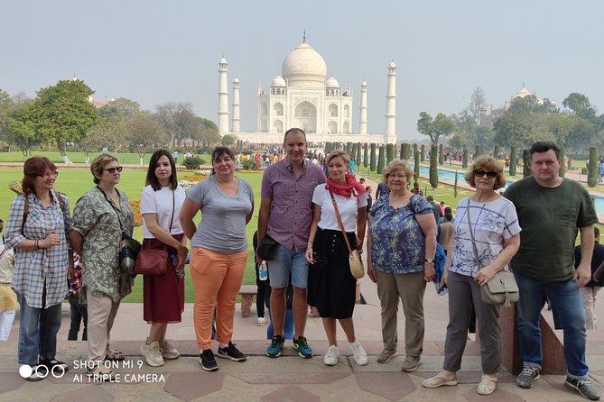 Half-Day Walking Guided Tour to Taj Mahal Boutique