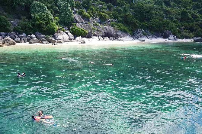 Hoi An Private 2-Day Tour with Snorkeling and Hotel