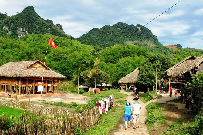 Mai Chau 4-Day Tour from Hanoi with Bike Trek