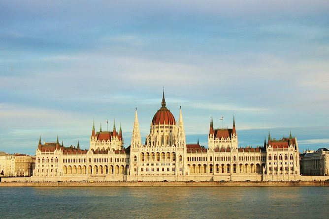 Exclusive Budapest City Tour by Luxury Car - Half Day