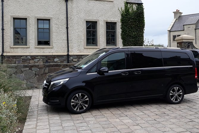Mercedes Benz V-Class - Business Van Finished in Obsidian Black, with luxury interiors, the client benefits from both comfort and space. The V-Class can transport up to 6 passengers