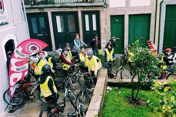 Historic Guided Tour - Electric Bike (Full day)
