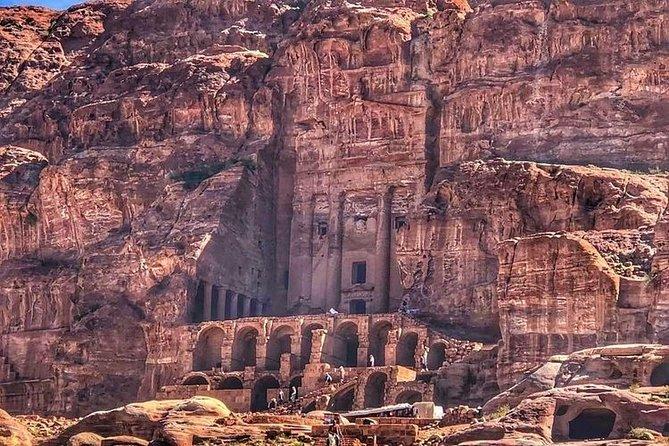 Amman to Petra Round trip Transfer