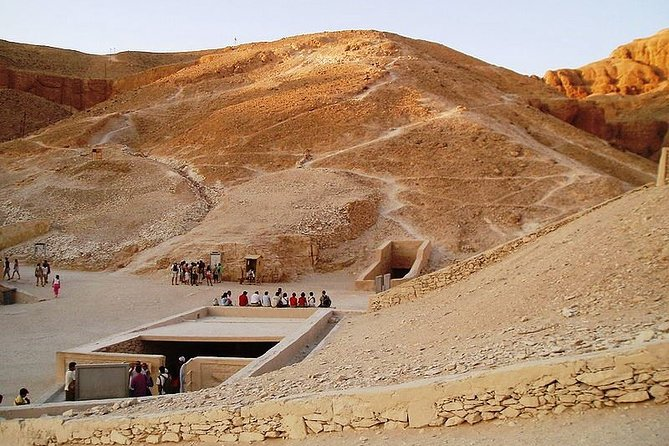 Private Guided Tour of West Bank in Luxor with Hotel Pickup