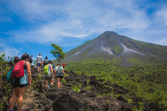 Half-Day Guided Hiking Tour to Arenal Volcano with Lunch
