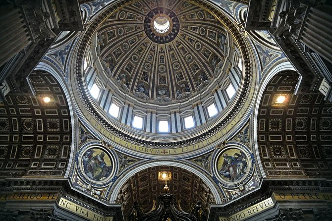 Private Tour to Vatican Museum and St. Peter Cathedral