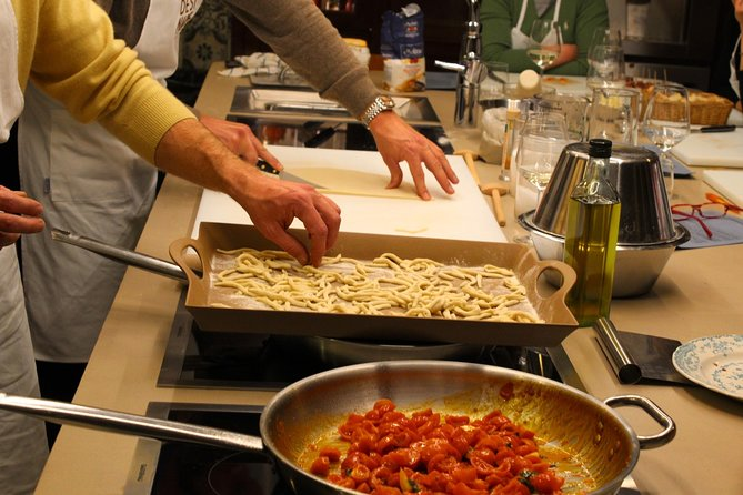 Gourmand Cooking and Wine Class in a Winery Farm
