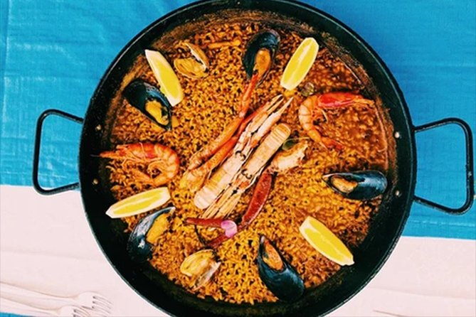 Paella with Sangria No Limit at Restaurante America
