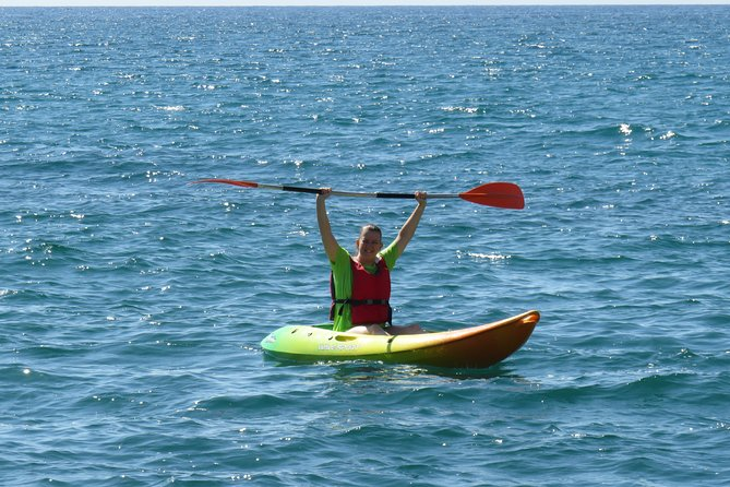 Initiation or guided tour in Kayak through the Bay of El Campello (Alicante)