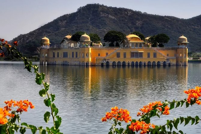 2 Days Exclusive: 1 Day Delhi & 1 Day Jaipur Pink City Tour From Delhi