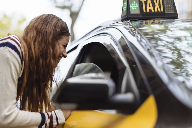 Departure Private Transfer from Barcelona City Hotels to Barcelona Airport