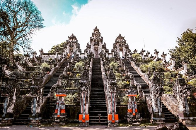 Full-Day Bali Car Charter to Exploring Tour in The Gate of Heaven and East Bali