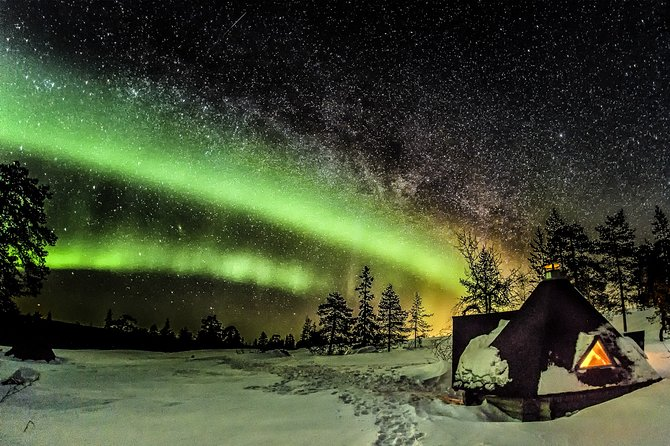 Private Aurora Tour (5 or more) by Aurora Experts- Rovaniemi