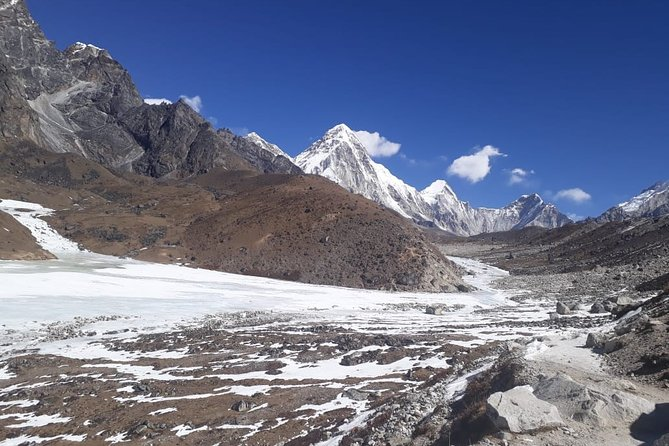 Gokyo Lakes Cho-La Pass with Everest Base Camp