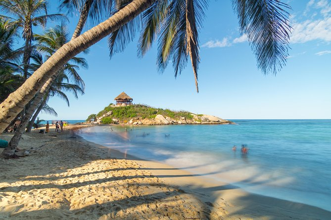 Tayrona Park: San Juan´s Cape, Arrecifes & Crystal-Clear Beaches Tour 10H
