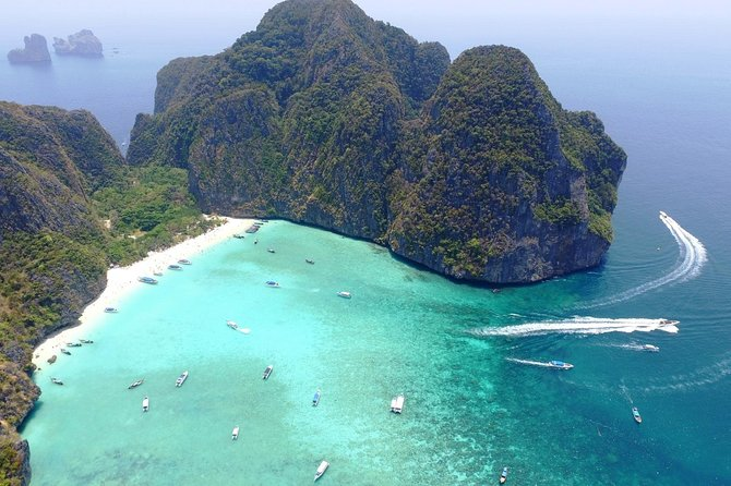 Phuket: Phi Phi Islands by Ferry with Snorkeling and Lunch