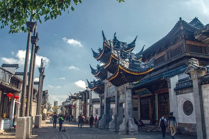 Private Day Tour Wuxi Lingshan Buddhism Scenic Spot & Huishan Old Town