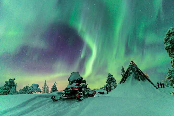 Northern Lights Snowmobile Driving Safari in Kemi