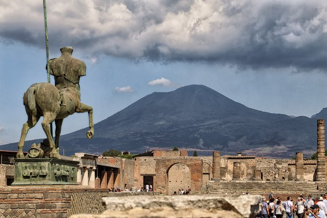 Pompeii Tour While Travelling from Amalfi Coast to Rome