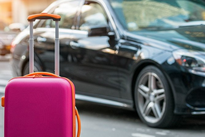 Pune Airport Transfer in Private Vehicle