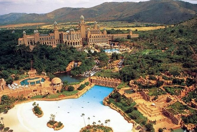Full-Day Tour to Sun City the Lost City from Johannesburg