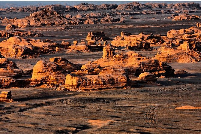 Private 4-Day Silk Road Tour from Chengdu with Accommodation