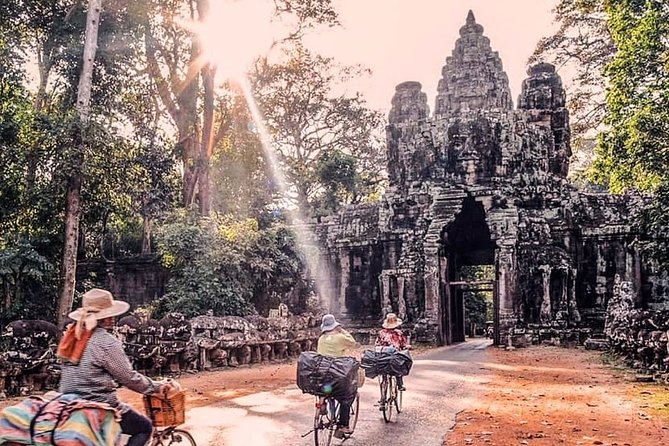 """1-Day Best of the Best """" Uncover the endless treasure of Angkor """" Tour."""