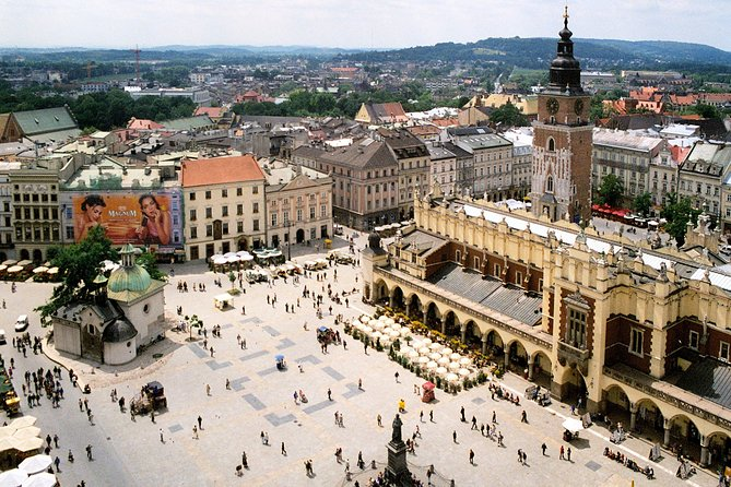 Krakow: City Highlights Private Tour by Electric Car