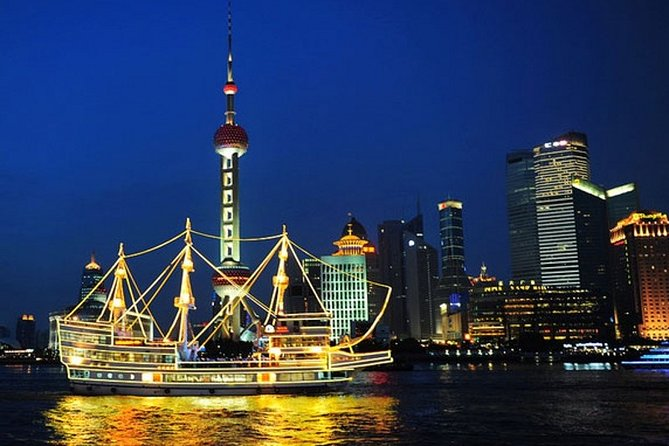 Private Shanghai Night River Cruise and Hot Pot Dining Experience