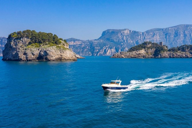 Full-Day Private Sightseeing Tour of Amalfi Coast by Boat