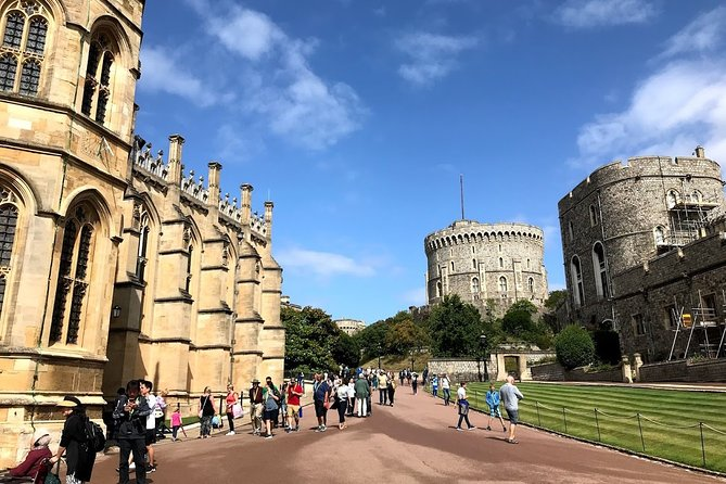 Windsor Castle Stonehenge Oxford Private Day Tour from London