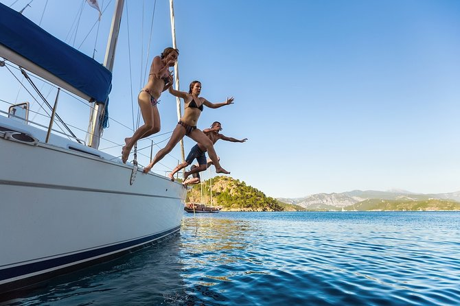 Private Sailboat and Snorkeling Tour