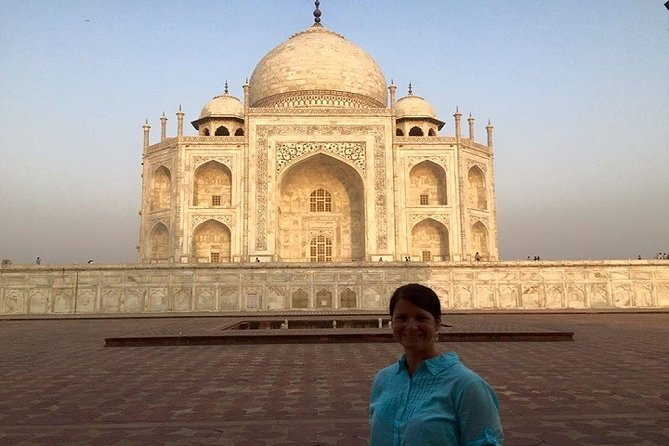 Full-Day Private Guided Sightseeing Tour of Agra Highlights