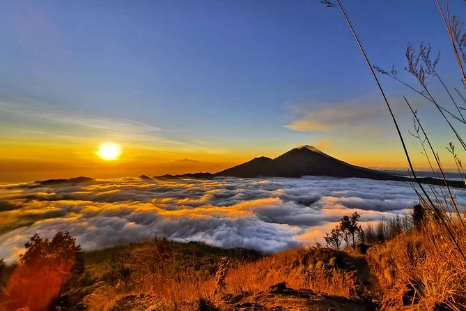 Amazing Bali Sunrise Trekking and Bali Swing Packages