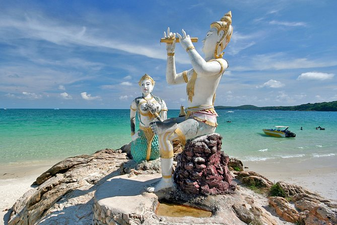 Koh Samed Islands Luxury Boat Day Tour from Pattaya with Lunch