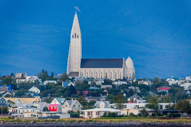 City Sightseeing by Minibus and Golden Circle Tour from Reykjavik