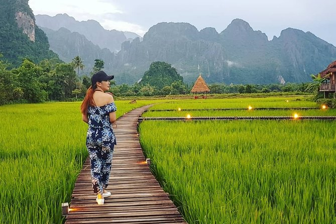 Vientiane 3 Days Private Tour to Vang Vieng Viewpoint, Cave, Blue Lagoon