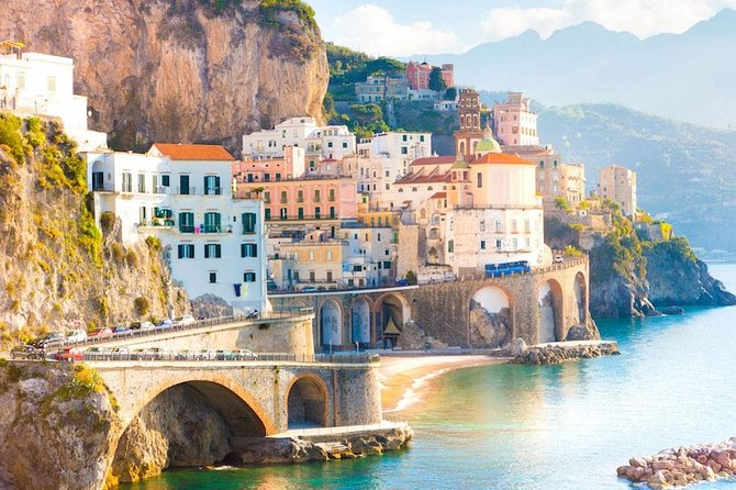 Transfer from Rome to Amalfi with stop in Pompeii