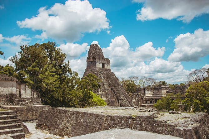 Sunset in Tikal Park and Archeological Tour from Flores