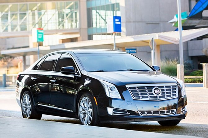 1-4 Hour New Orleans Private Chauffeured Transport by Executive Sedan