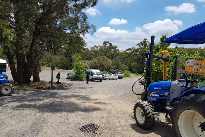Small-Group Tractor Tour at Rayners Orchard from Melbourne