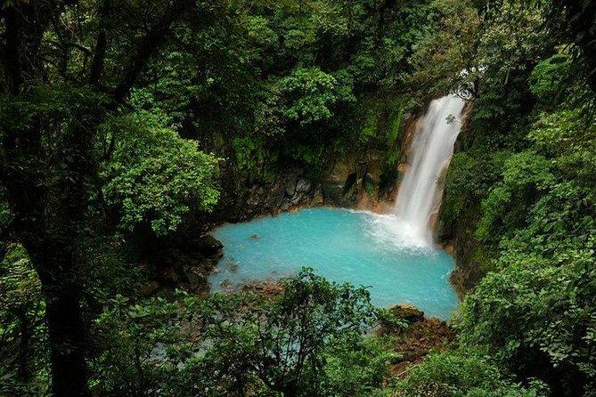 Route to Rio Celeste, Tenorio Volcano National Park.