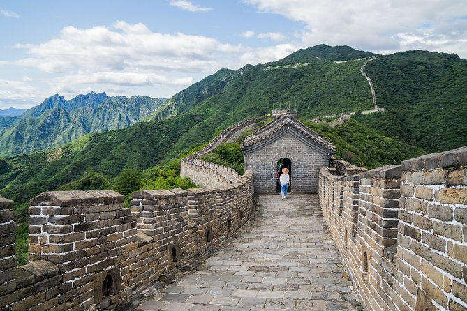 Tour to Mutianyu Great Wall with Private Car Rental and Driver