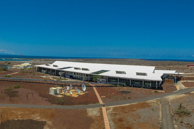 Private Shuttler Baltra Airport to Any Hotel in Santa Cruz