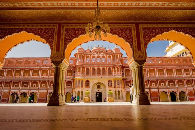 Private Guided Full-Day Tour of Jaipur with Traditional Dinner