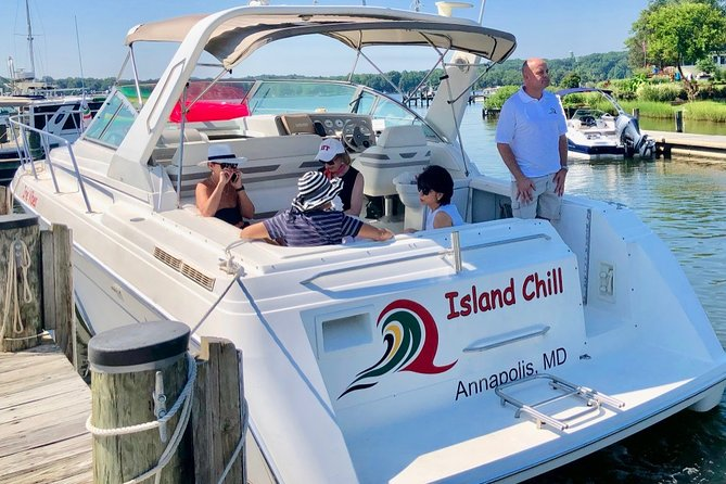 34' powerboat cruise up to 6 guests and sleep 4 comfortably.