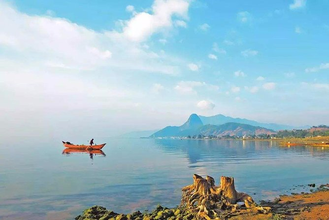 Private Full-Day Tour to Fuxian Lake and Chengjiang Fossil Site